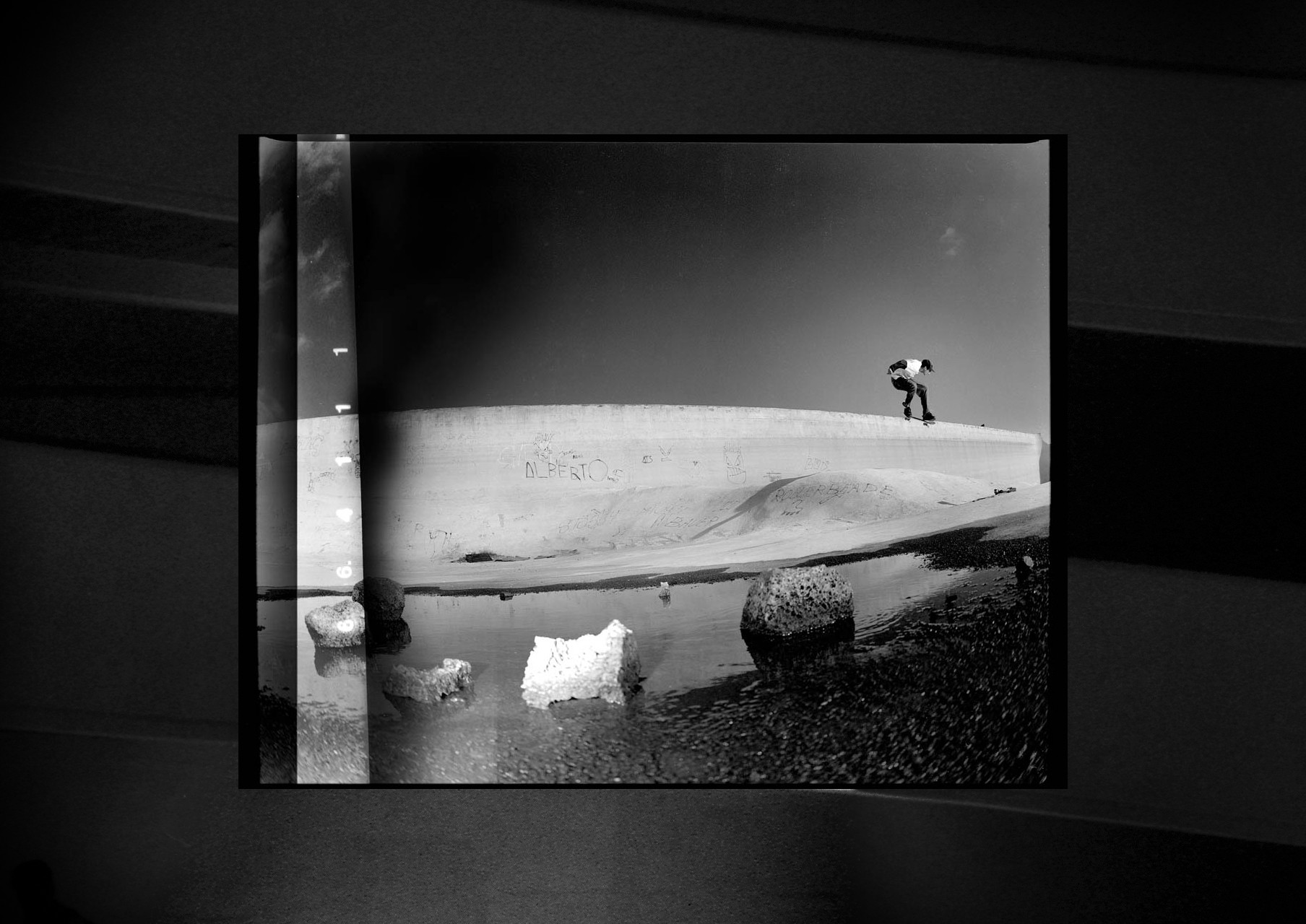 SKATE-STREET-PHOTOGRAPHY-15-JUANMI-MARQUEZ-1761x1280-1761x1280