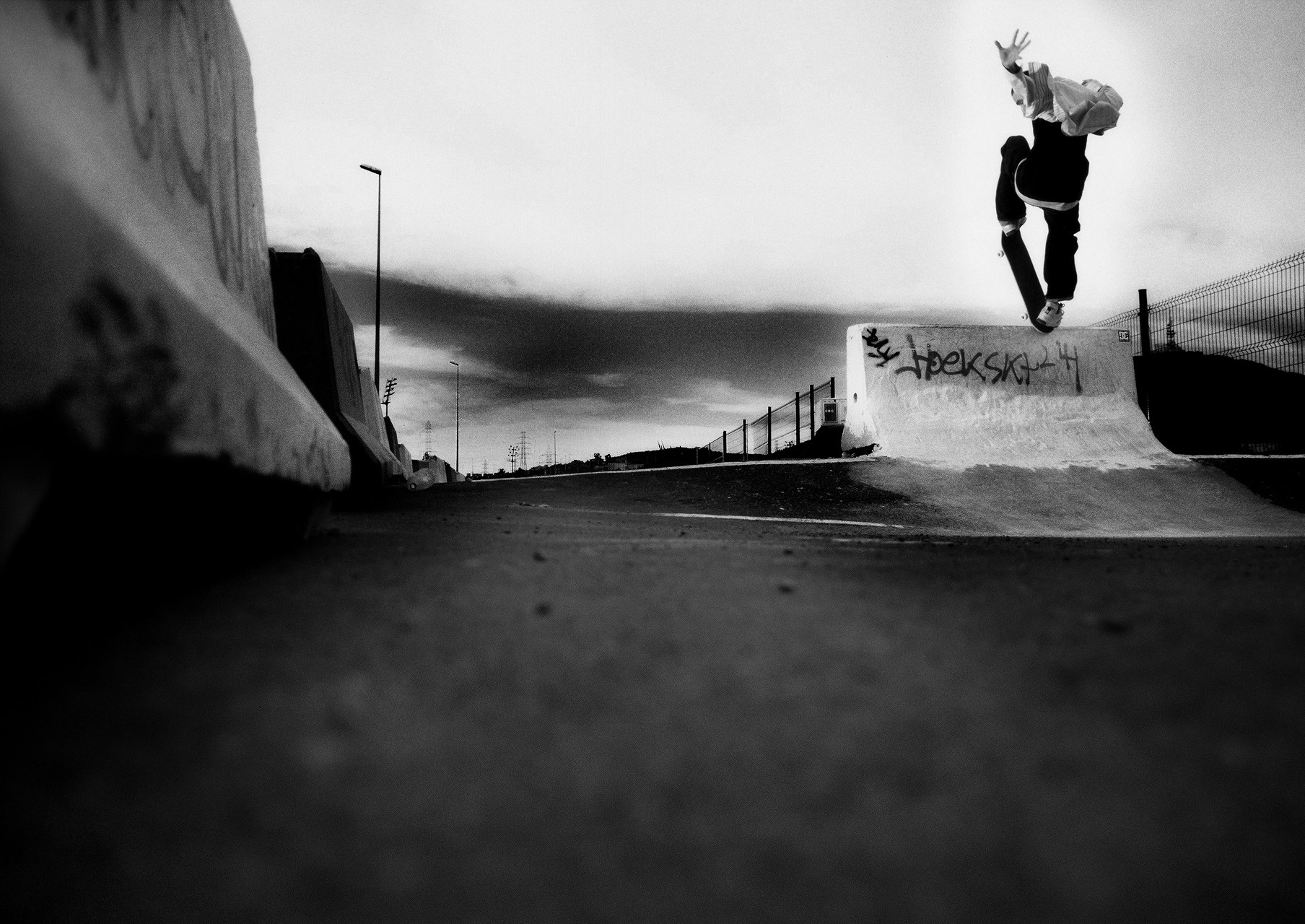 SKATE-STREET-PHOTOGRAPHY-33-JUANMI-MARQUEZ-1761x1280-1761x1280