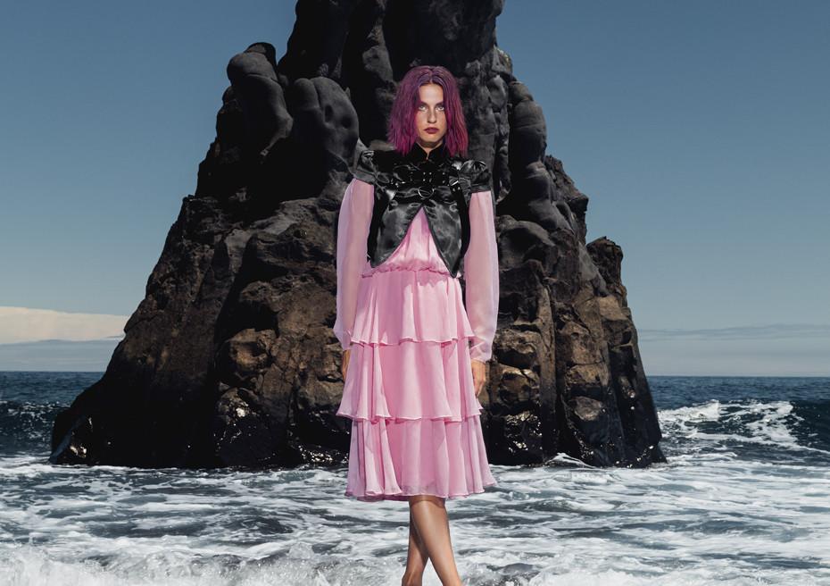 Black Sand / Dreamingless Magazine